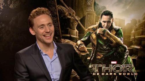 Tom Hiddleston x1