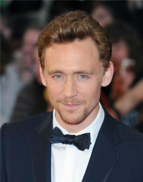 Tom Hiddleston x3
