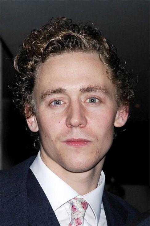 Tom Hiddleston x5